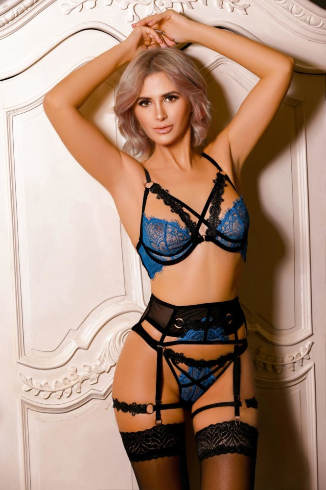 Adeline Sultry 34C Marble Arch Escort Adeline
