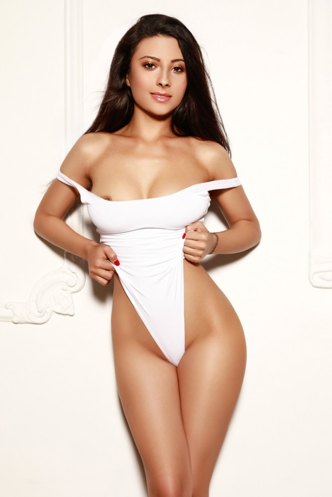 Amaya 34C and slender Marylebone London Escort