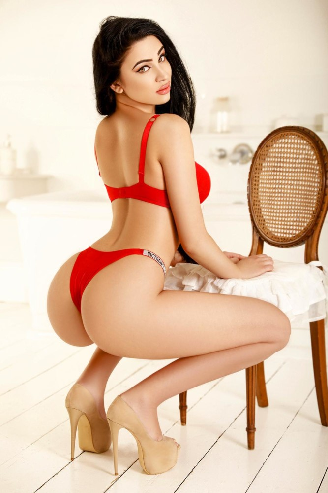 Layla london escort