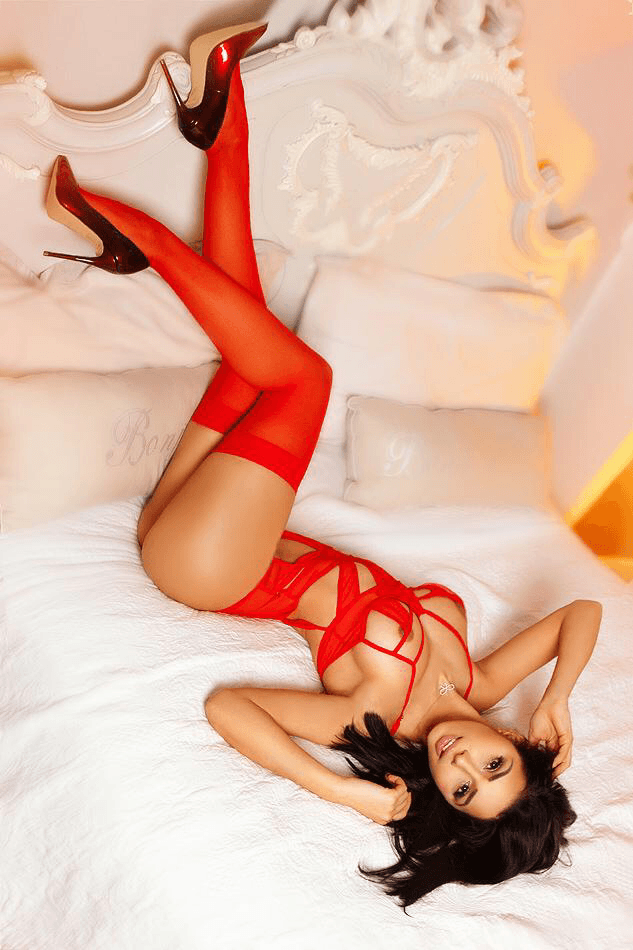 Lolita Stunning Model and Escorts in London or 24hr London Escorts Agency