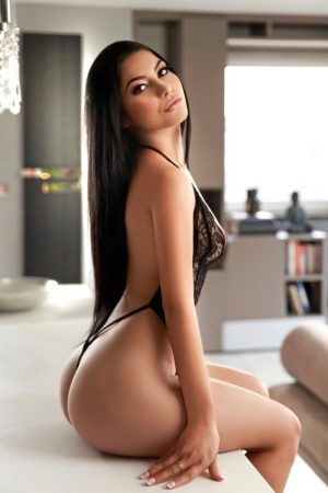 Amora Sexy Young 34B Slim and Slender Marble Arch Escort in London