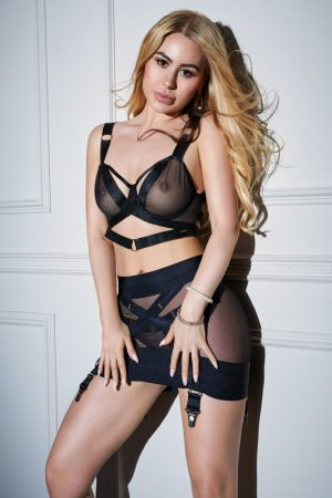 Blonde Slim Escort in Bayswater