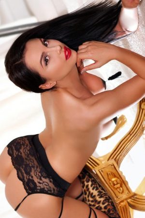 Escort Anita, 34C Busty Sexy and Friendly