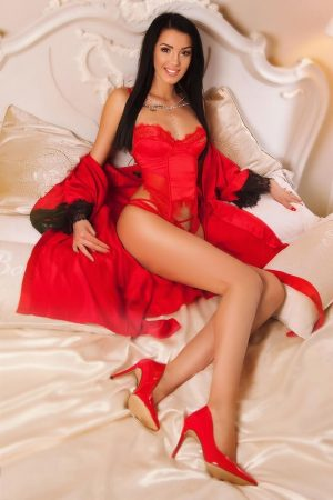 Lara Bond Street London Escort