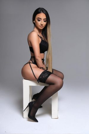 Shola Knightsbridge London Escort